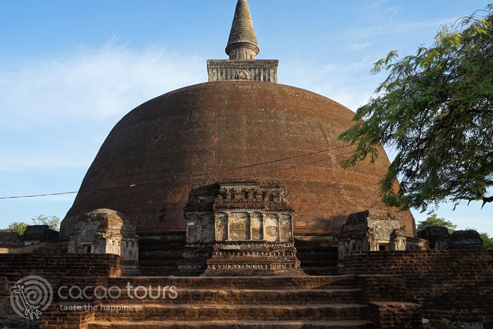 Rankot Dagoba, Polonnaruwa, Sri Lanka