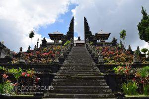 Храмът Бесаки, Бали, Индонезия