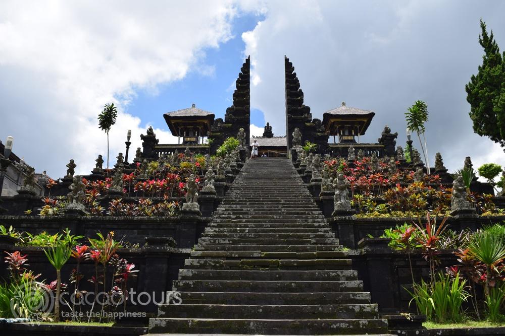 Храмът Бесаки (Besakih Temple) на остров Бали, Индонезия (Bali, Indonesia)