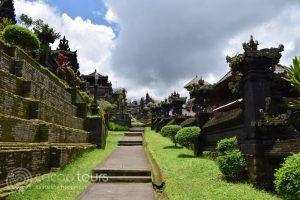 Храмът Бесаки, о-в Бали, Индонезия