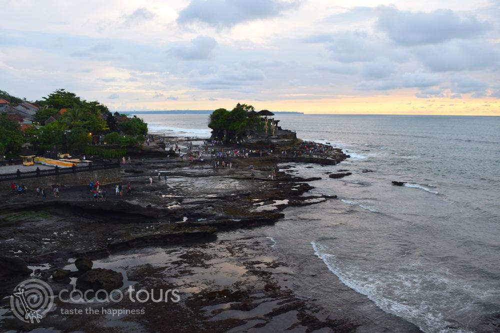 Храмът Танах Лот (Tanah Lot) на остров Бали, Индонезия (Bali, Indonesia)