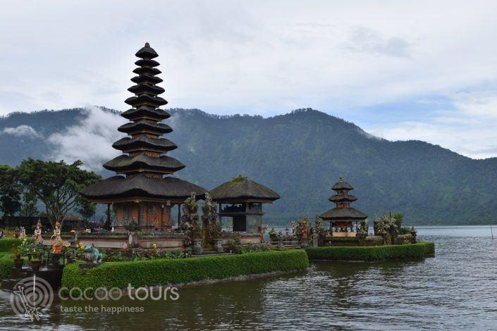 Храмът Улун Дану Братан, Бали, Индонезия