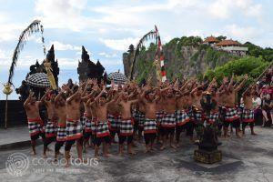 Храмът Улувату, танцът кечак, о-в Бали, Индонезия