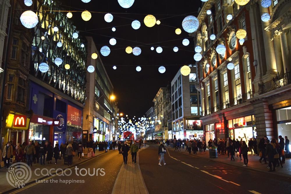 Оксфорд стрийт, Лондон, Великобритания (Oxford Street, London, United Kingdom) - предпочитана шопинг дестинация