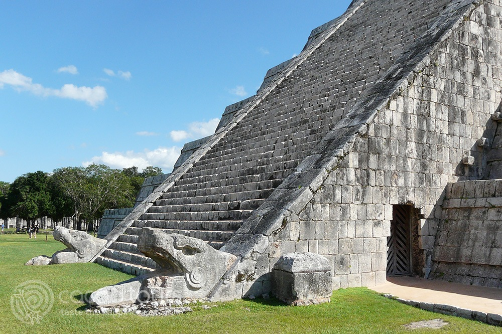 Pyramid of Kukulkan, Chichen Itza, Mexico