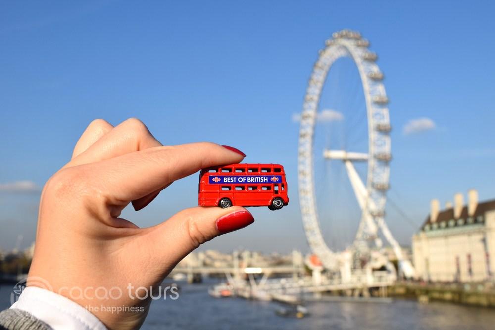 Червеният автобус, Лондон, Англия (Red bus, London, United Kingdom)