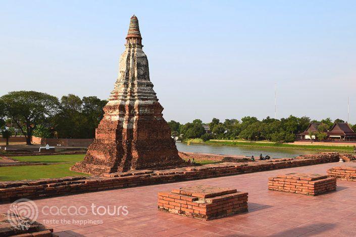 храмът Ват Чай Ваттанарам в Аютая, Тайланд