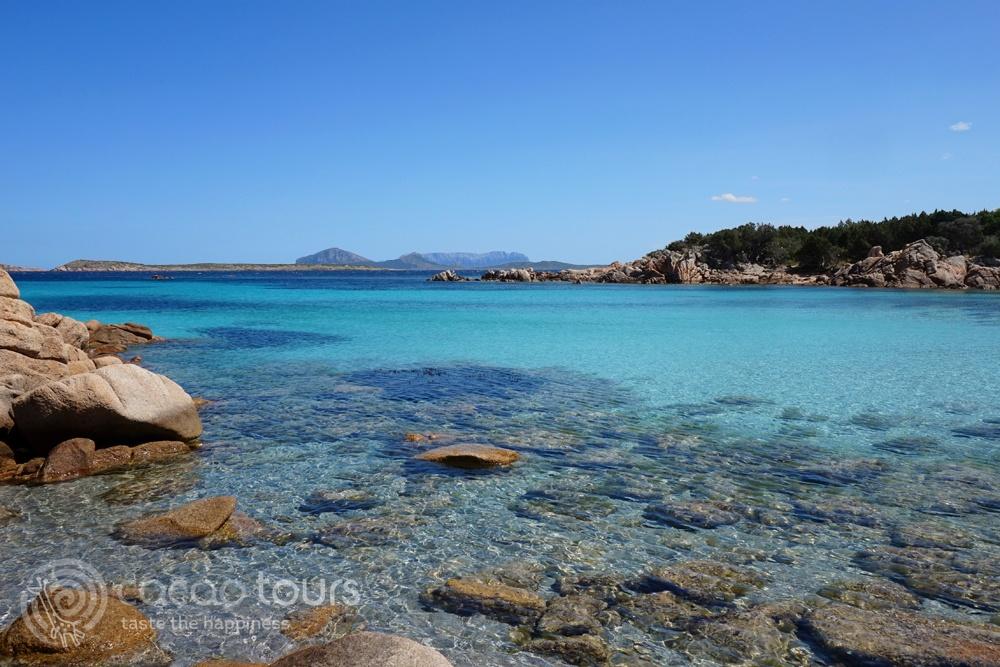 Плажът Капричиоли, Коста Смералда, Сардиния, Италия (Capriccioli Beach, Sardinia island, Italy)
