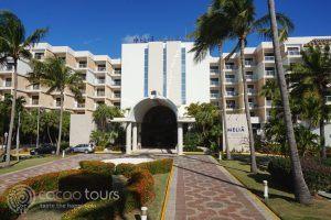 входът на хотел Melia Varadero, Варадеро, Куба