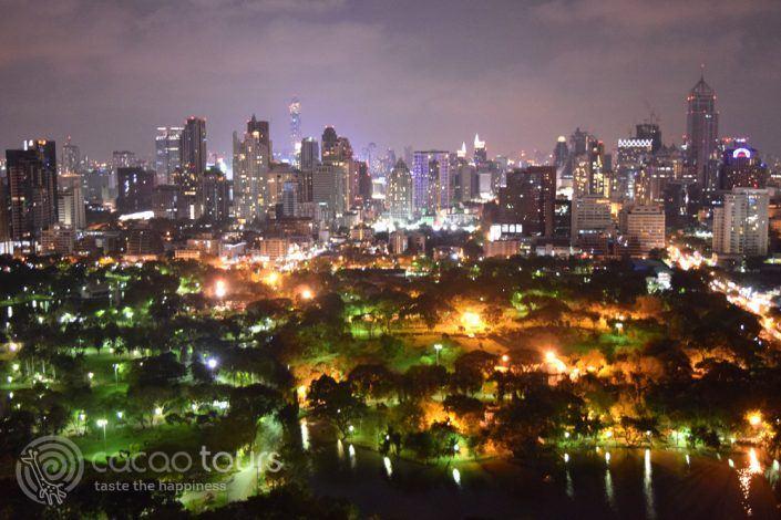 гледка от скай бар Park Society, Банкок, Тайланд