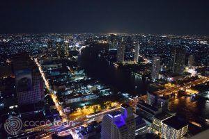 гледка към Чао Прая, скай бар Лебуа, Банкок, Тайланд