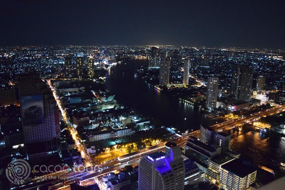 Гледка от най-посещаваните скай барове в Банкок, Тайланд - Sky Bar Rooftop Lebua, Bangkok, Thailand