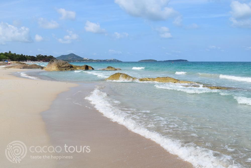 Плажна ивица на Чавенг Нои