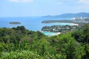 панорама към заливите Карон и Ката, Пукет, Тайланд