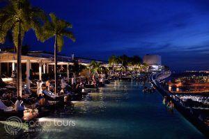 басейнът на Марина Бей Сандс, Сингапур