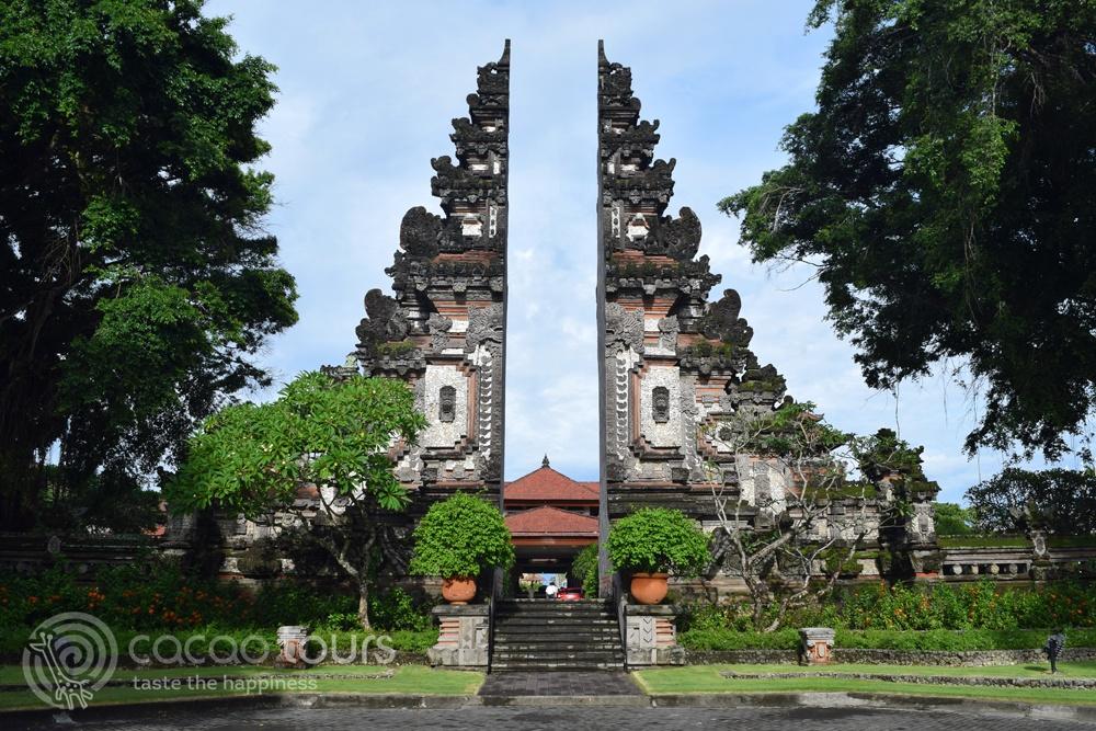 Входна врата към хотел Нуса Дуа, Бали, Индонезия (Bali, Indonesia)