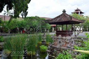 територията на Nusa Dua Beach Hotel, о-в Бали, Индонезия