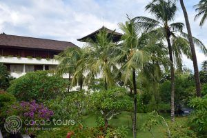 градината на Nusa Dua Beach Hotel, о-в Бали, Индонезия