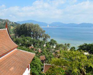 гледка към залива Патонг, Пукет, Тайланд