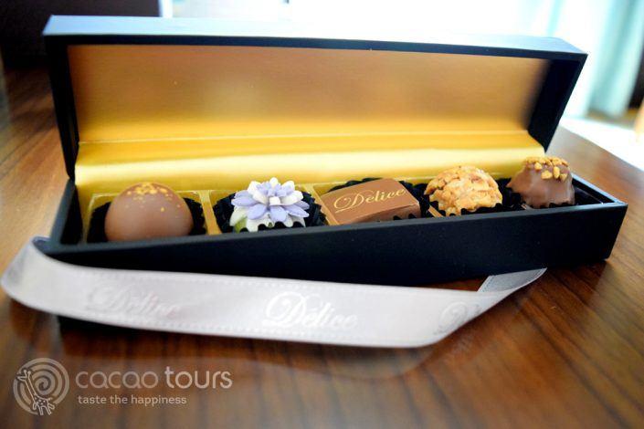 бонбони в хотел Ritz Carlton Dubai, Дубай, ОАЕ
