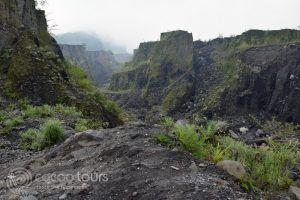 Вулканът Мерапи, о-в Ява, Индонезия