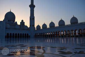 вечерна снимка от джамията Шейх Зайед, Абу Даби, ОАЕ