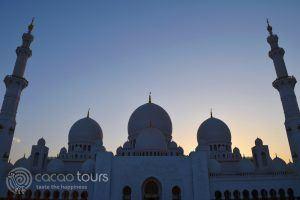 джамията Шейх Зайед вечер, Абу Даби, Обединени Арабски Емирства