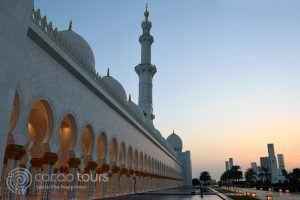 джамията Шейх Зайед вечер, Абу Даби, ОАЕ