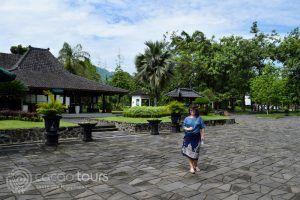 Храмът Боробудур, гр. Джокякарта, о-в Ява, Индонезия