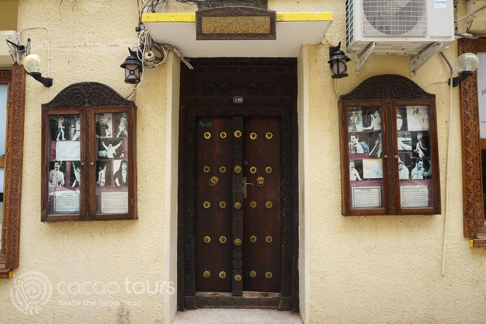 домът на Фреди Меркюри, Стоун Таун, Занзибар, Танзания (Freddie Mercury House, Zanzibar, Tanzania)