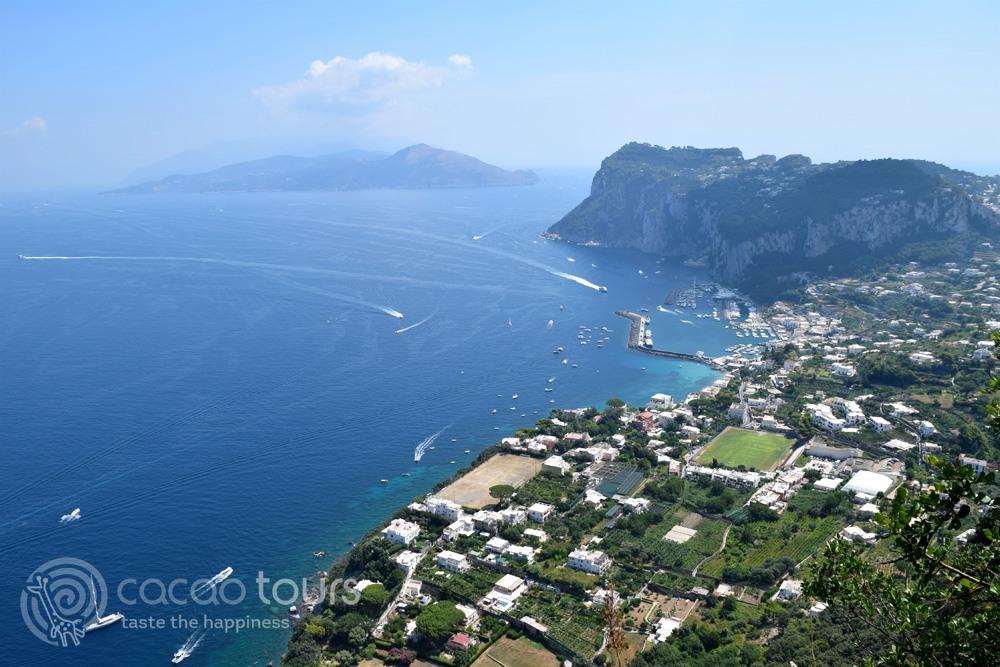гледка към пристанището Марина Гранде, остров Капри, Южна Италия (Marina Grande, Capri, Italy)