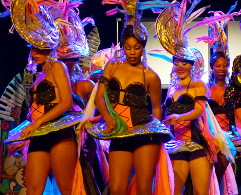 Традиционни танци в Tropicana Show Varadero, Cuba