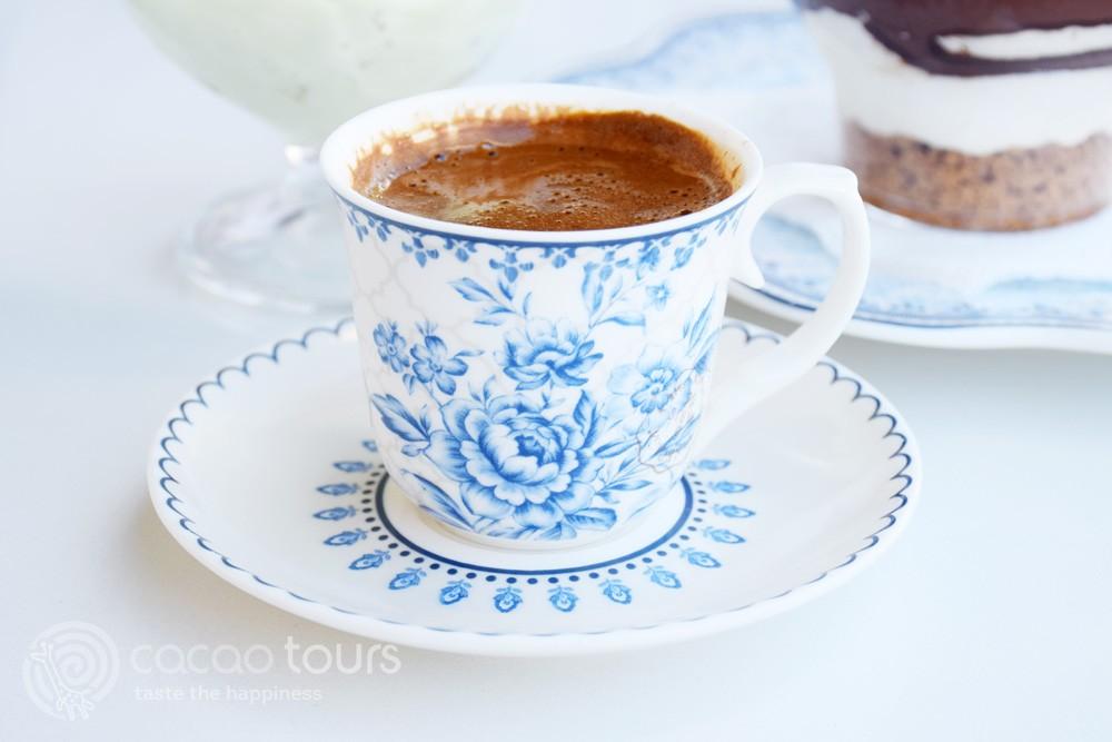 кафе в столицата Аргостоли, Кефалония, Гърция (Argostoli, Kefalonia, Greece)