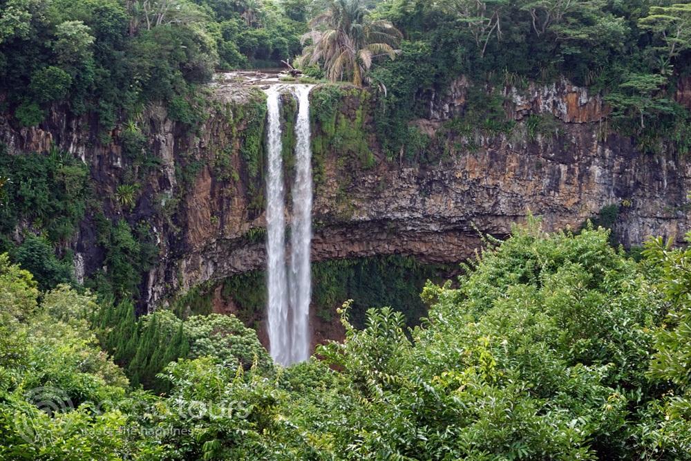 Водопадът Шамарел, Мавриций (Chamarel Waterfall, Mauritius)