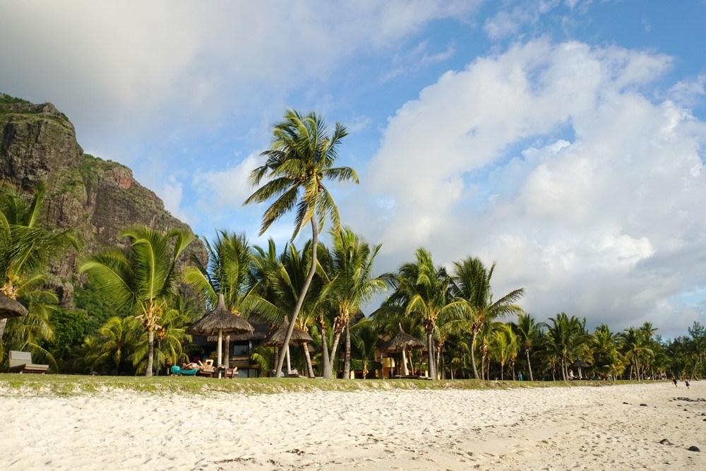 Плажът Ле Морн, Мавриций (Le Morne Beach, Mauritius) - подходящо място за меден месец