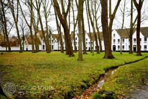 Бегинажи (Begijnhof) в Брюж, Белгия