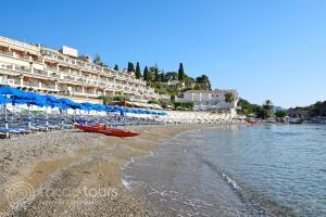 Плажът Мазаро, Таормина, Сицилия, Италия