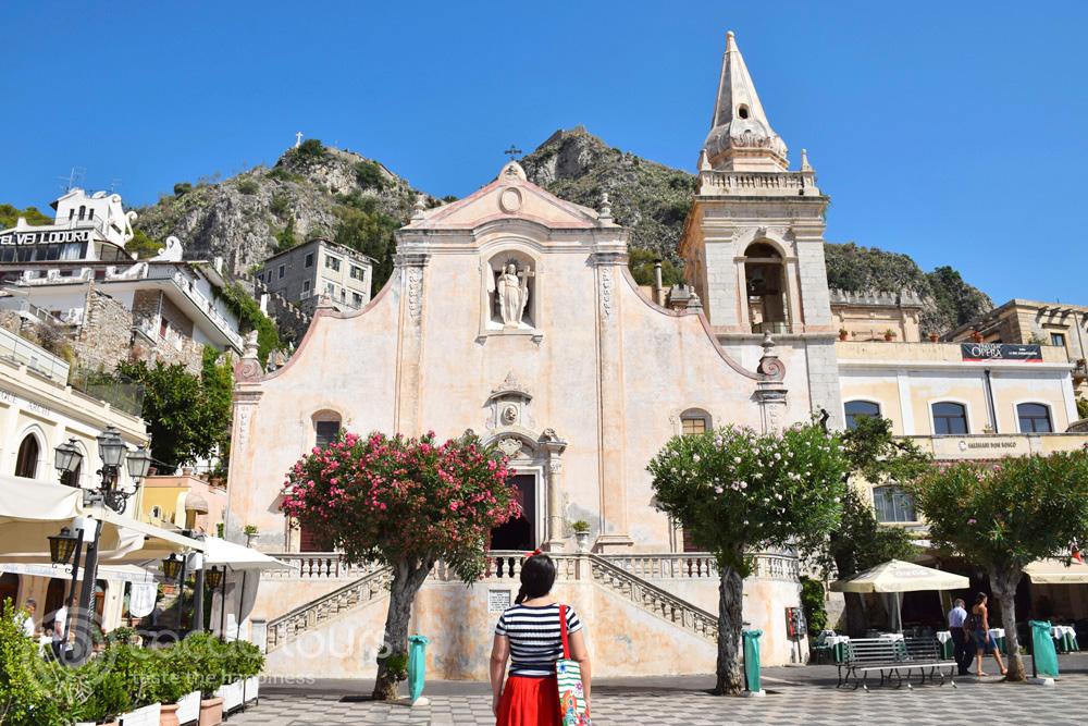 Площад IX април, Таормина, остров Сицилия