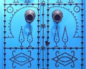 синя врата от Сиди Бу Саид - част от екскурзияв Тунис