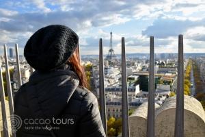 Поглед към Айфеловата кула (Eiffel Tower) от Триумфалната арка (Triumphal arch)