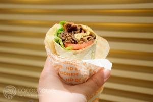 Дюнер кебап - част от уличната храна в Истанбул
