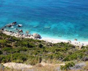 плажът Петани - малкият Миртос, остров Кефалония, Гърция