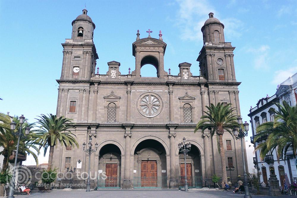 """катедрала """"Санта Ана"""" (Santa Ana) в Лас Палмас, Испания"""